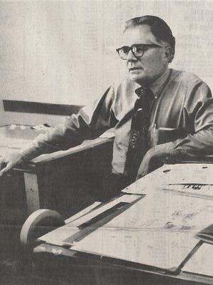 Tom Rigsby, sometimes known as Capt. Flynn, died Friday in Abilene.