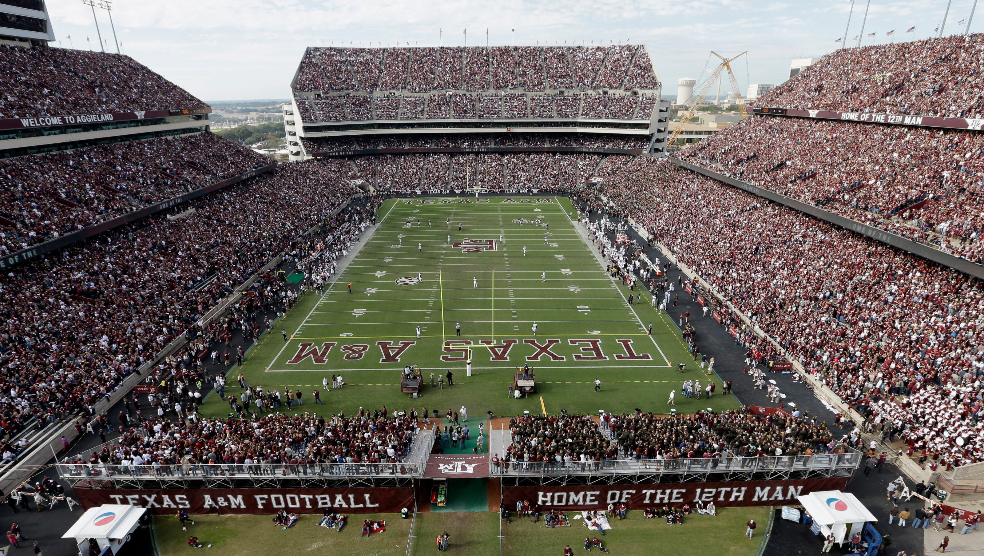 College Football Non Conference Games Worth 175 Million In Guarantees