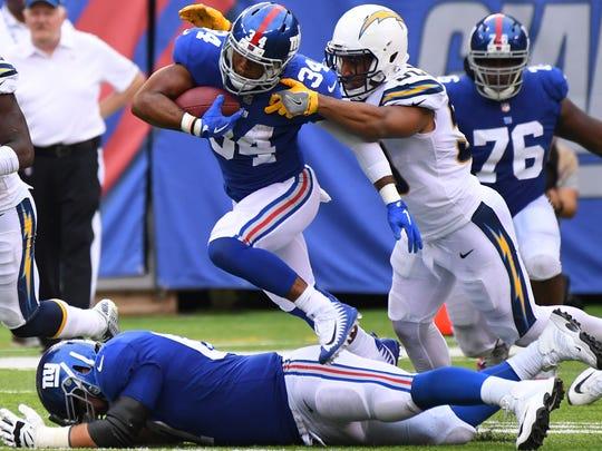 New York Giants running back Shane Vereen (34) gets
