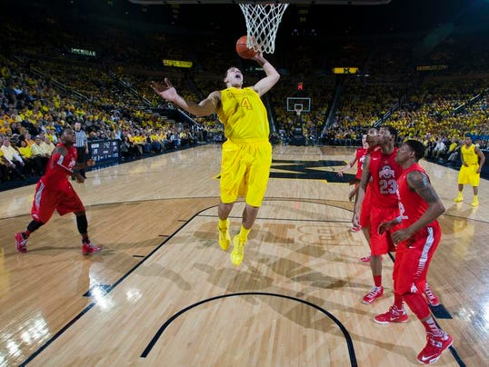 MNCO 0426 Michigan center enters NBA draft after positive drug test.jpg