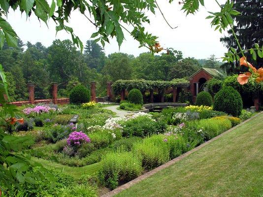 Vanderbilt-Mansion-NHS-Garden-Photo-NPS-WD-Urbin.jpg