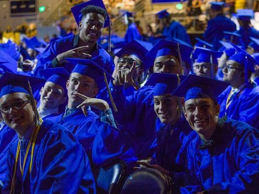 636648649140068468-Reed-Graduation-209.jpg
