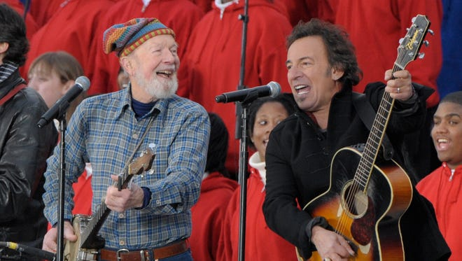 Pete Seeger and Bruce Springsteen at a pre-inaugural concert for President Obama in 2009.