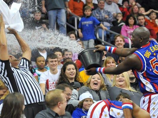 635890736265237547-Big-Easy-Lofton-water-bucket.JPG