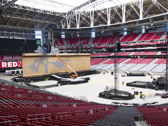 U2 stage