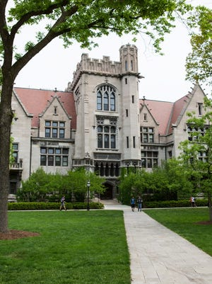 University of Chicago President Robert Zimmer announced on Sunday that the main campus would be closed Monday after receiving an unspecified threat of gun violence on Monday.