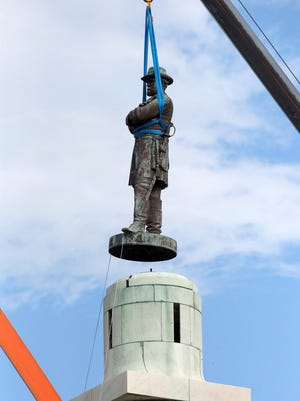 Statue of Confederate General Robert E. Lee removed from Lee Circle in New Orleans on May 19, 2017.