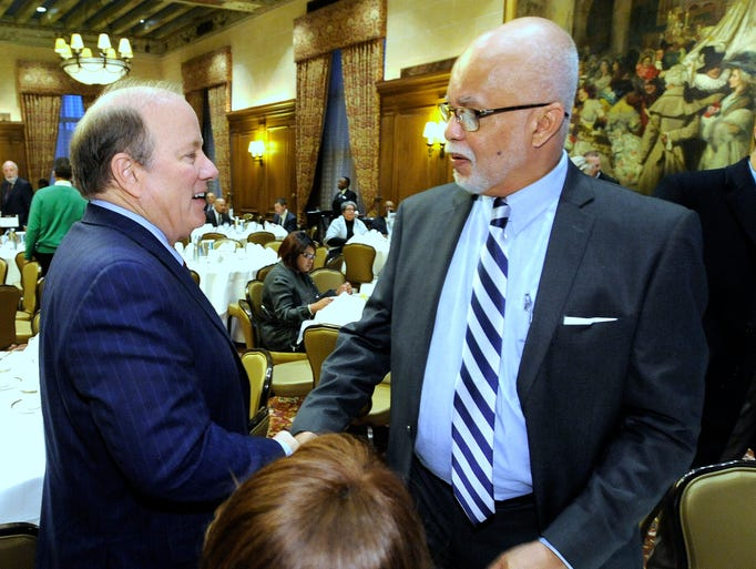 Detroit Mayor Mike Duggan, left, and Wayne County Executive