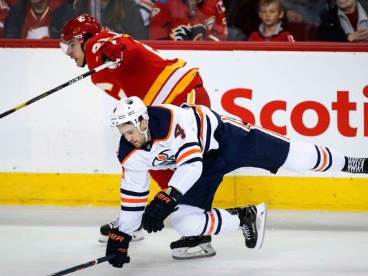 Oilers_Flames_Hockey_41775.jpg