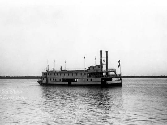 The stern-wheeler St. Lucie brought passengers to Fort