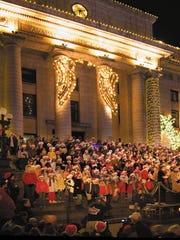 Prescott | Take a walk around Courthouse Plaza and