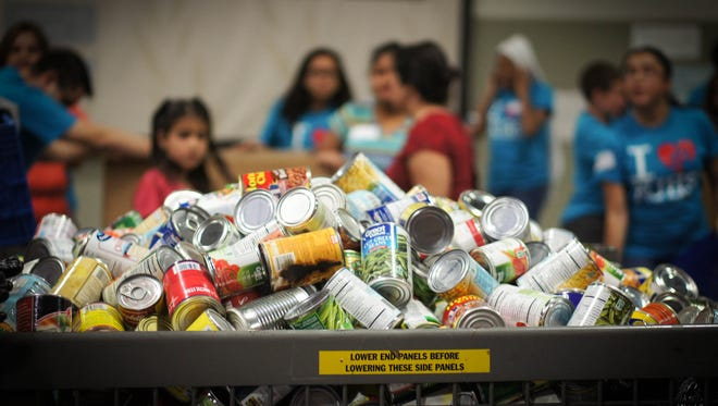 2015: Stamp Out Hunger hoped to collect 120,000 pounds of food.