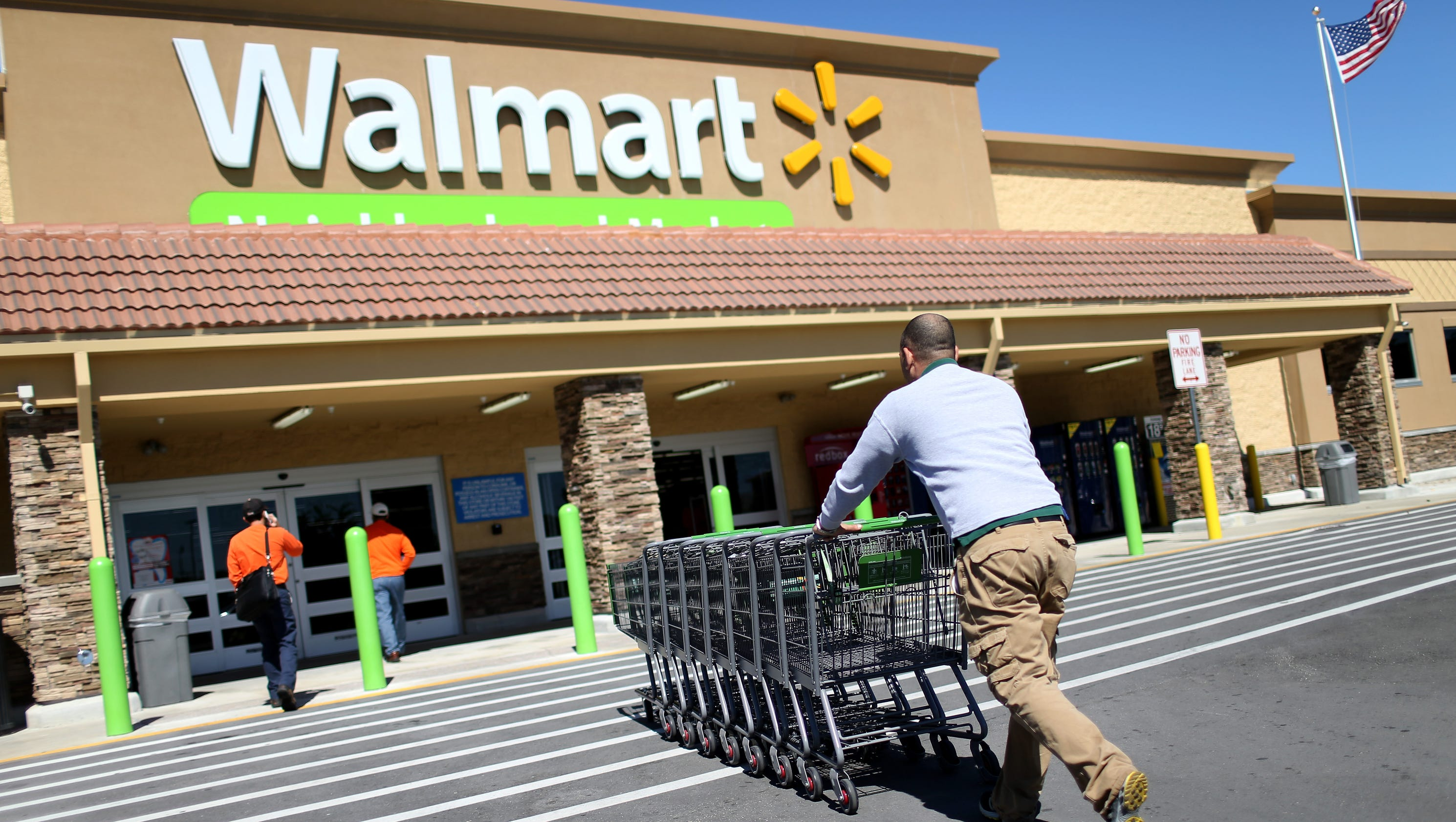 walmart 7 r Instead of hiring holiday-season workers, wal-mart is asking its  toys r us  plans to hire thousands of seasonal workers despite bankruptcy.