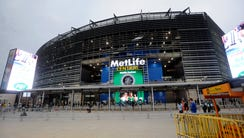 The MetLife logo is shown outside the stadium before