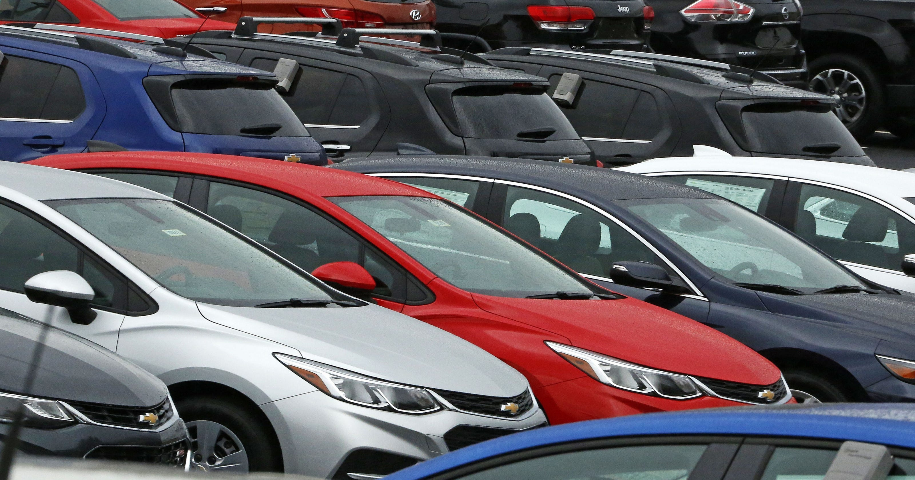 Usa Auto Sales >> U S Auto Sales Slump In April As Cars Suffer