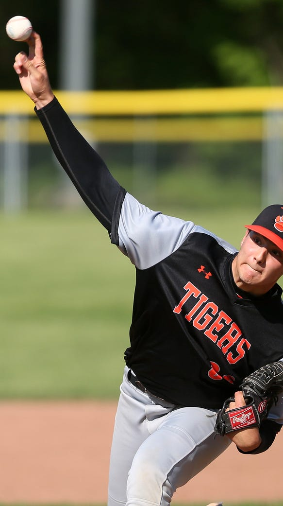 White Plains pitcher Spencer Lodes (33) in action against