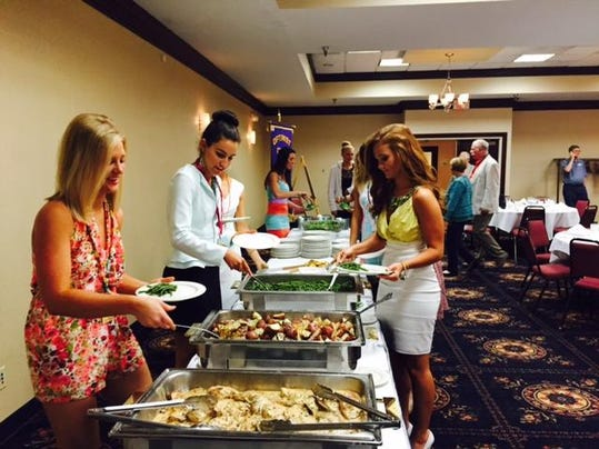 Miss Ohio ontestants in buffet line