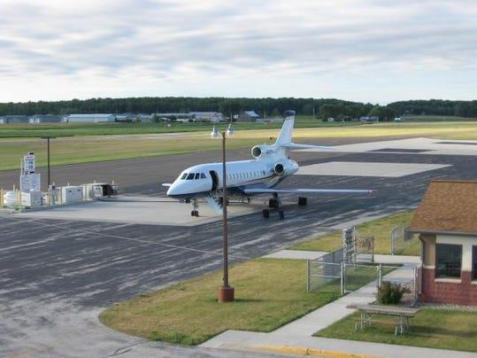 DCA 0812 jet at cherryland