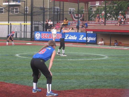 MOR 0810 LL Softball