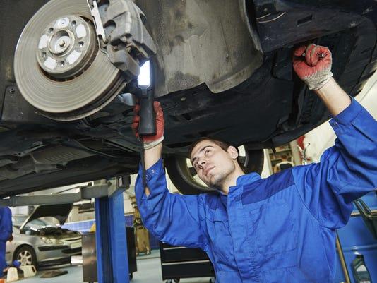 635869948096673980-car-repair.jpg