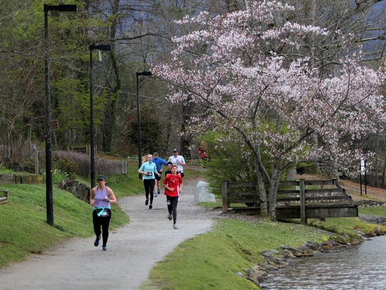 The Black Mountain Greenway Challenge 10K takes runners around Lake Tomahawk Loop, the town's most popular greenway.