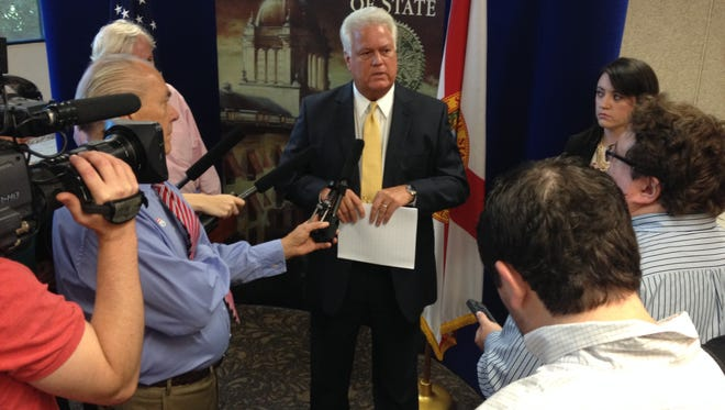 Secretary of State Ken Detzner gives a morning briefing on statewide voting.