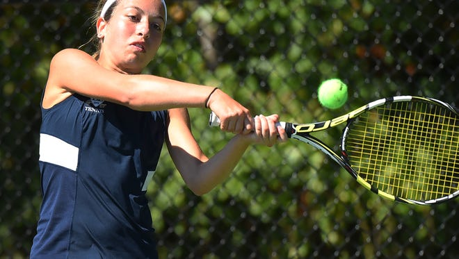 Emily Katz and Dwight-Englewood will look to defend their small-schools title at the Bergen County girls tennis tournament.
