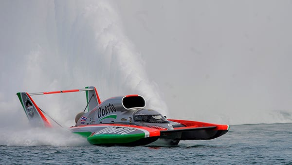 Jimmy Shane won the 2014 Gold Cup on the Detroit River.
