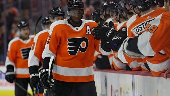 Wayne Simmonds had a pair of goals for the first time
