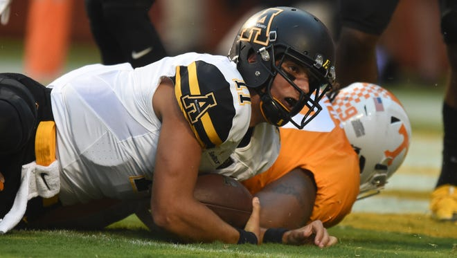 Appalachian State quarterback Taylor Lamb (11) runs for a touchdown against Tennessee during the first half on Sept. 1, 2016.