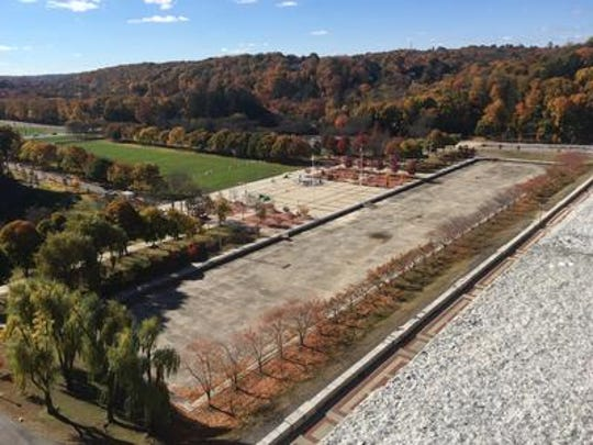 View of dormant reflecting pool and fountains at Kensico