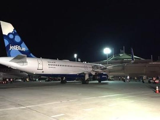 JetBlue announced this month that it is expanding its nonstop service between New York and Palm Springs in 2018 and starting its fourth season in the valley a month early this year.