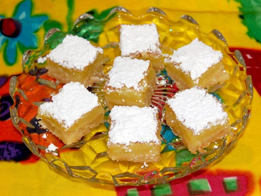 636625825627018311-Zesty-Lemon-Bars.jpg