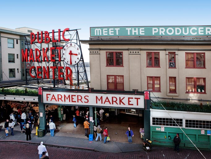 Famous fish markets around the world for Charlie s fish market