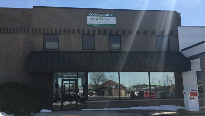 The New Leaf Market coop board says it needs $400,000 or a personal guarantor by May 22 or it will dissolve the board and end efforts to build a local market at 320 N. Wisconsin St., in De Pere.