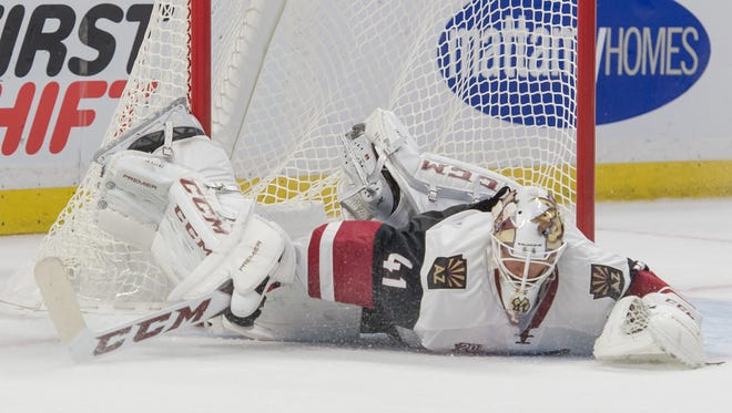 Oct 18, 2016: Arizona Coyotes goalie Mike Smith is unable to stop a goal by Ottawa Senators center Zack Smith (not pictured) in the second period at the Canadian Tire Centre.