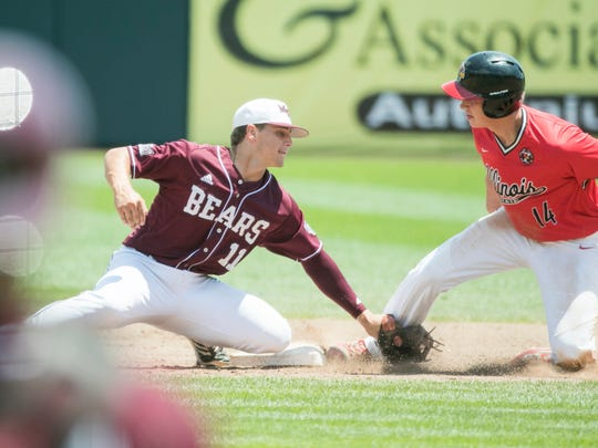 Missouri State shortstop Jeremy Eierman tags Illinois