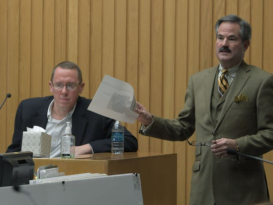 Defense attorney T. Scott Jones questions expert witness