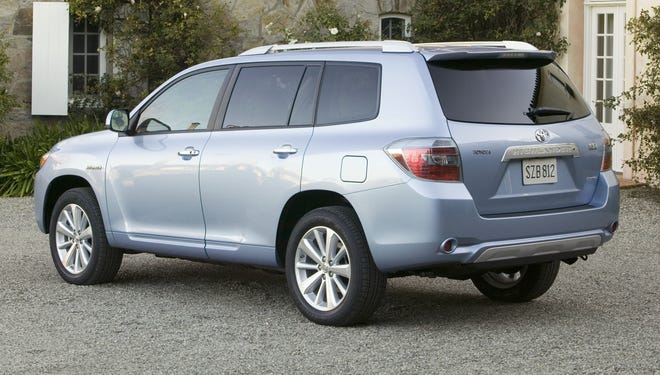 Toyota is recalling 133,000 2006-2010 Highlander hybrids, like the one shown, and 2006-2008 Lexus RX hybrids because and electric part could overheat and the vehicles stop running.