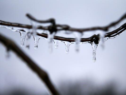 AP SOUTHERN PLAINS ICE STORM A WEA USA OK