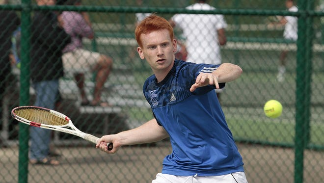 St. Xavier's Andrew Niehaus is making his third straight appearance in Division I, but he hasn't gotten past the first round in his previous two visits