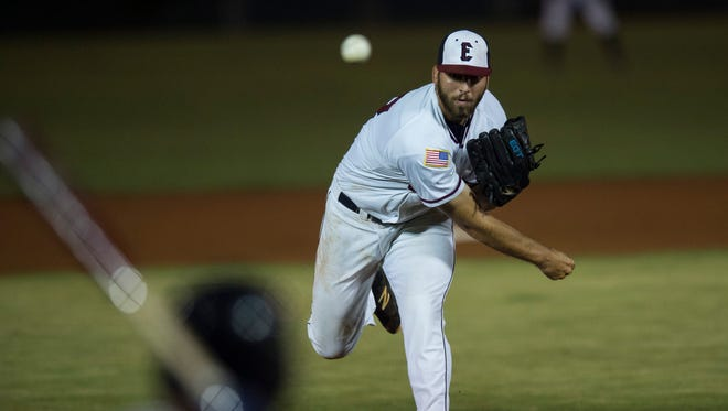 Evansville's Tyler Vail (36) pitches as the Otters take on the Gateway Grizzlies at Bosse Field on Thursday, June 28, 2018.