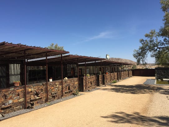 The Mojave Sands Motel in Joshua Tree features five