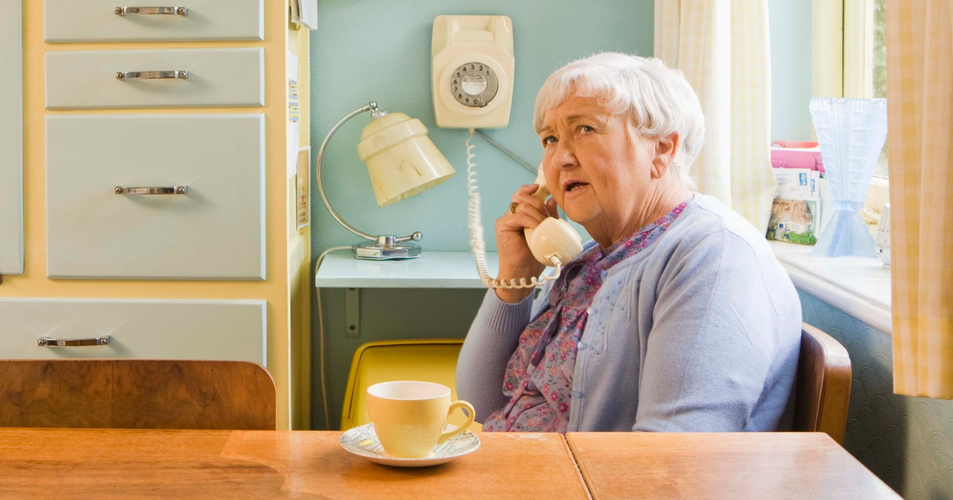 seniors get a warning on medical alert scam