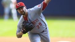 Cincinnati Reds pitcher Brandon Finnegan pitches to