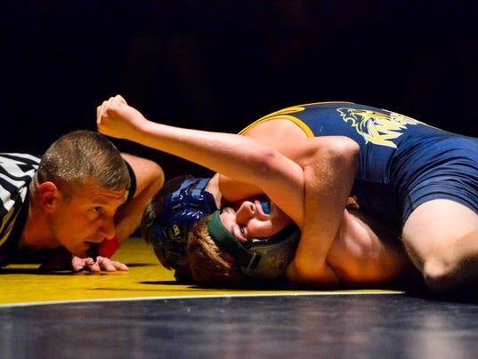 PHOTOS: York Tech vs Eastern York wrestling