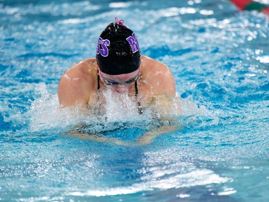 AnneMarie Moses of Fremont Ross qualified to state on two relays.