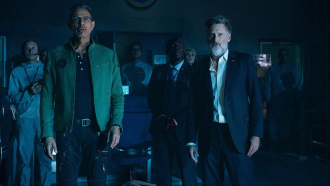 "David Levinson (Jeff Goldblum) and former U.S. president Thomas Whitmore (Bill Pullman) make a shocking discovery in ""Independence Day: Resurgence."""