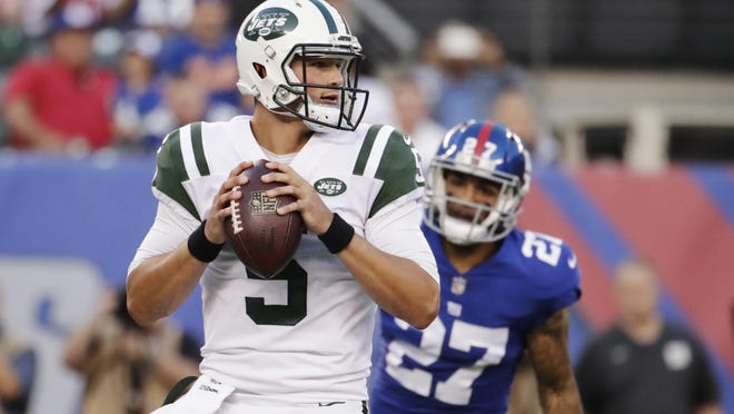 Former Jets No. 1 pick Christian Hackenberg (5) is thinking about a career in professional baseball as a pitcher. JULIO CORTEZ/AP