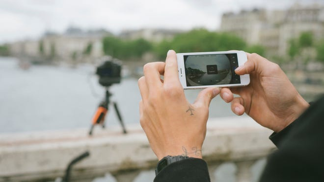 The SXories Weye Feye connects to your digital camera and creates its own Wi-Fi network so the camera can be fired wirelessly with a free app on a smartphone.